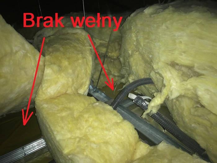 mostek termiczny - brak welny od strony poddaza