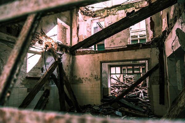 samowola budowlana sprzedaz domu niezgodnego z projektem budowlanym