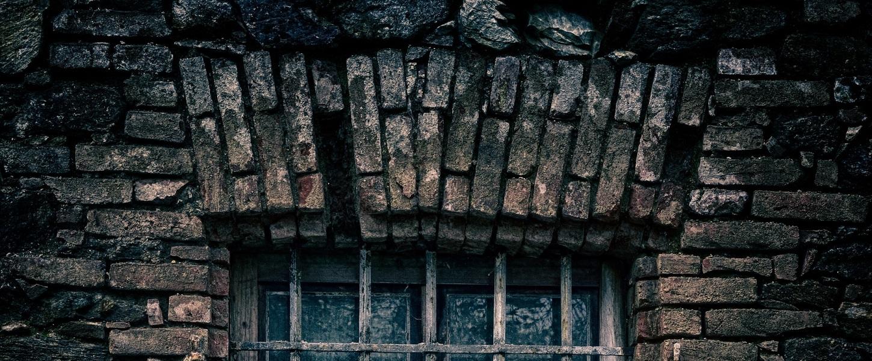 plesn grzyb w domu kamienicy