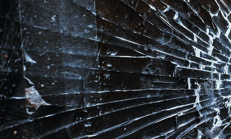 porysowane szyby okien od dewelopera normy
